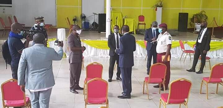 Photo de Dr Louis Mbadinga reçoit Lambert Noël Matha au Centre Mondial Shekina