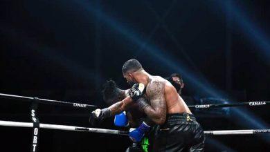 Photo de Boxe / Union Européenne des lourds : Tony Yoka terrasse par K.O Joël Tambwe Djeko au cours du douzième Round